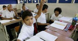 Suspenderán clases del 8 al 16 de octubre en colegios que son centros de votación